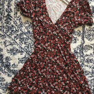 Spring floral mini skater skirt size small